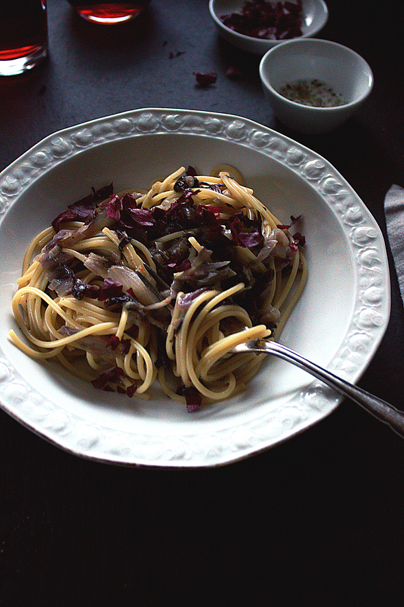 Spaghetti Radicchio Carbonara_IMG_5051-foodforfreude